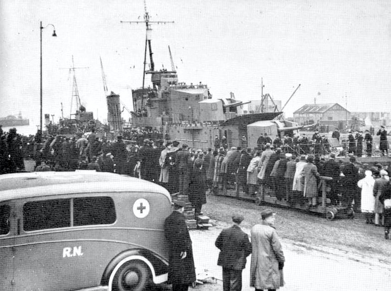 HMS Cossack returns to Leith 17 February 1940 after rescuing the British prisoners held in Graf Spees'ssupply ship Altmark