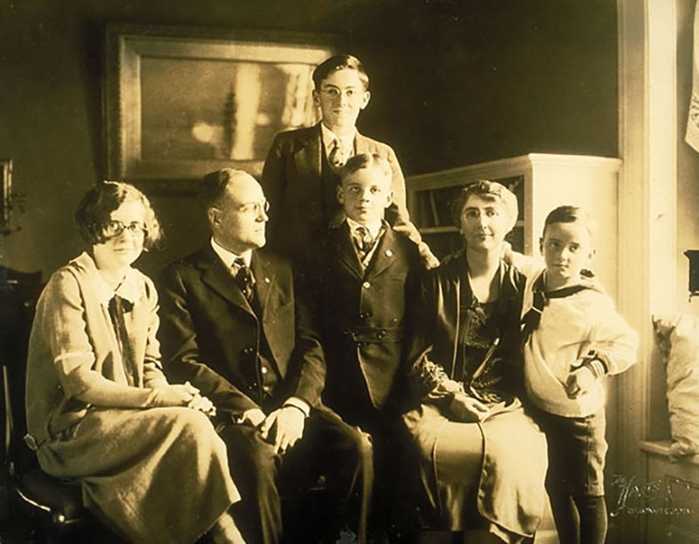 Average Family Winner, Fitter Family Contest, Eastern States Exposition