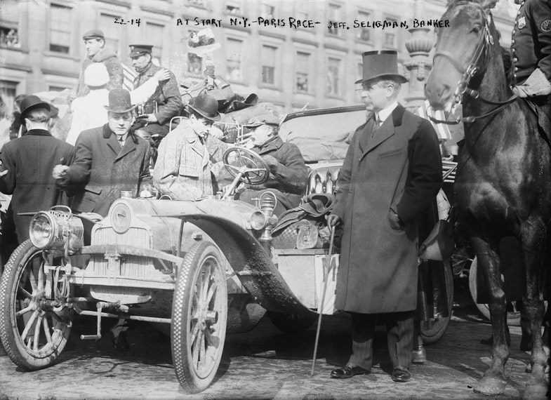 New York - Paris race: Jeff. Seligman, banker, start of race, New York