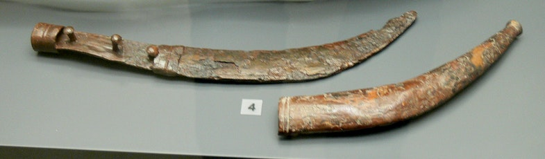 Iron sica ( 1st century BC ) from a Dacian warrior grave in Cugir