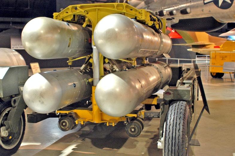 Bomba B28