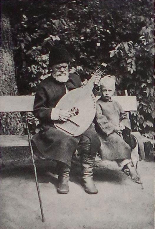 Kobzar Ostap Veresai with a guide Sokyryntsi