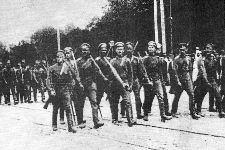 The troops of the Volunteer Army are in Kiev on Sofia Square, on August 31, 1919