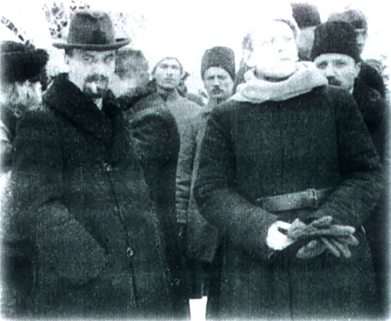 Chairman of the Directorate of the Ukrainian People's Republic Vladimir Vynnychenko (left) and Chief Ataman of the Ukrainian People's Republic Simon Petliura (right), 1918