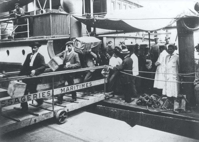 Immigrants, port of Buenos Aires