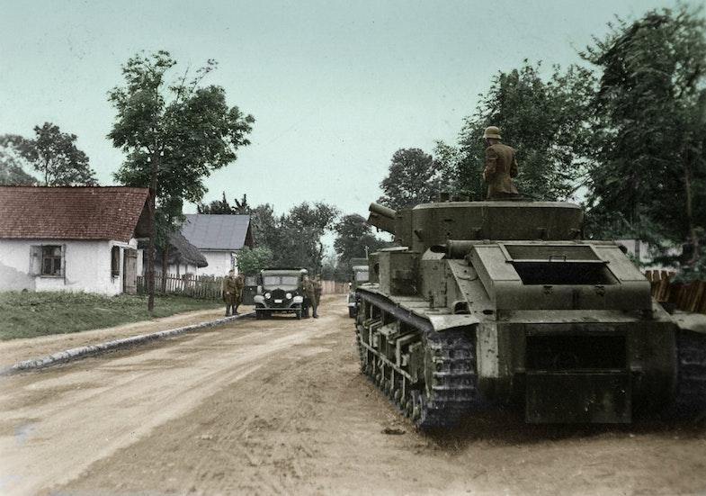 Magyar hadsereg által zsákmányolt T-28-as közepes harckocsi