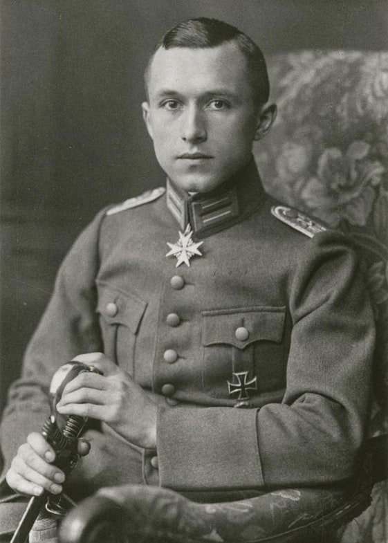 Jünger in 1919 wearing the Pour le Mérite, conferred on him by the Kaiser shortly before the end of the war